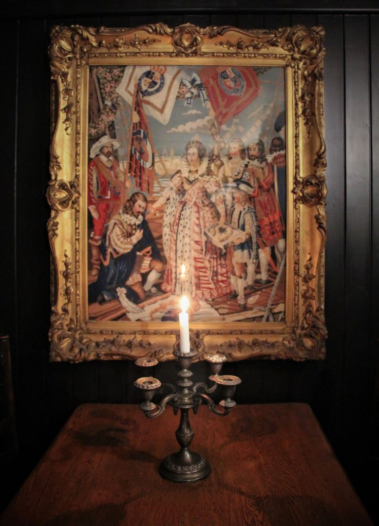 Tapestry of Queen Elizabeth I knighting Sir Walter Raleigh